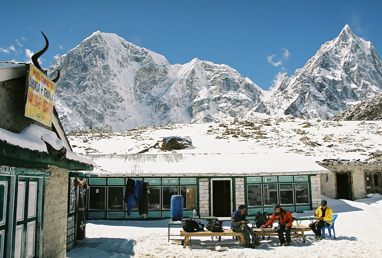Lunch at Thukla (Dughla) 4620m