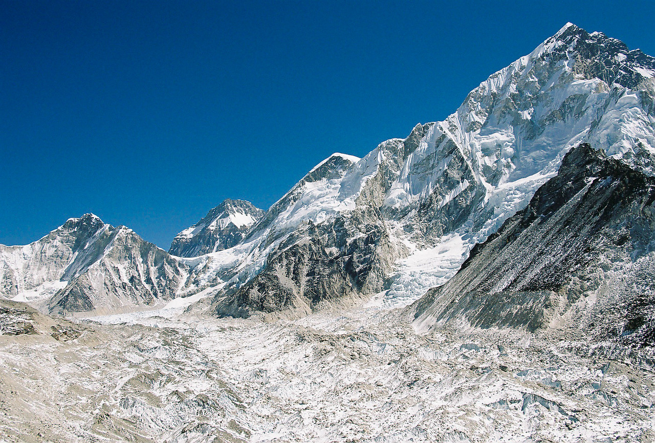 Khumbu Glacier, Nuptse (7861m)