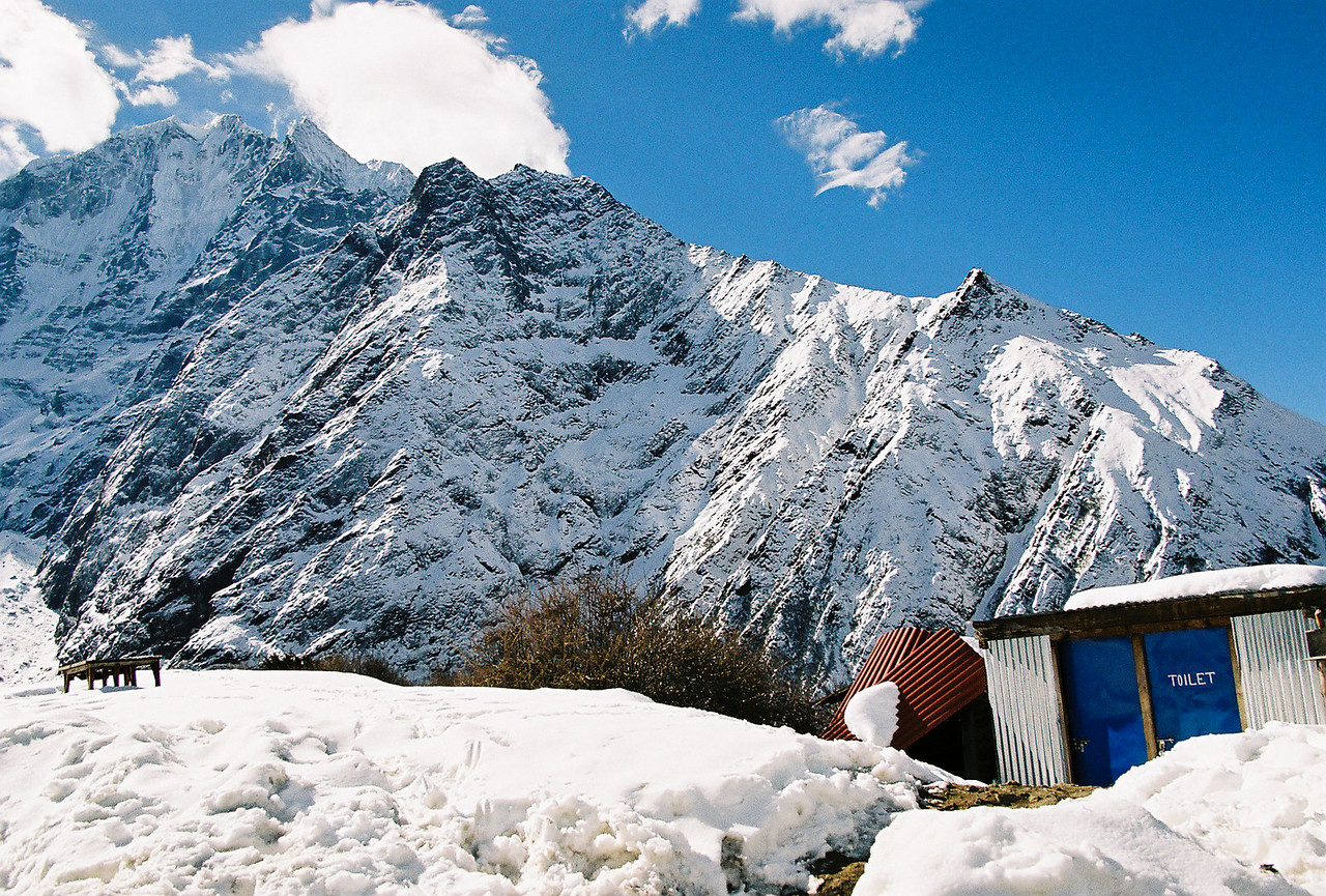 What a location for a toilet! Tenboche