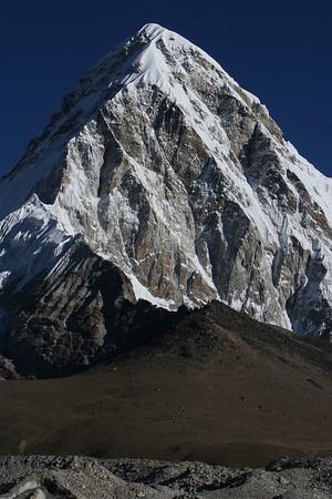 Everest Base Camp (5, 364 M)