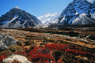 Ghunsa Khola valley near Ramtang