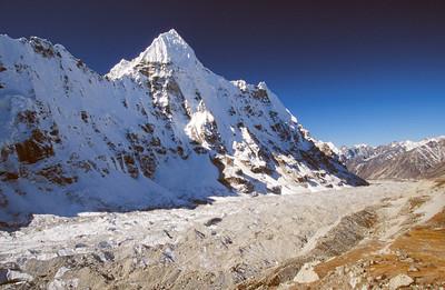 Kangchenjunga Glacier dominated by Wedge Peak
