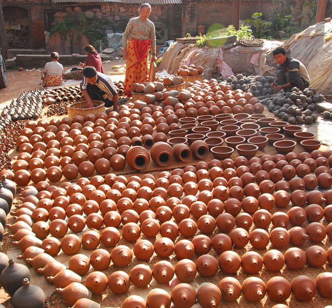 Need to buy a terra cotta pot?  Note the slots on the pots in the foreground: these are the Nepalese equivalent of piggy banks.