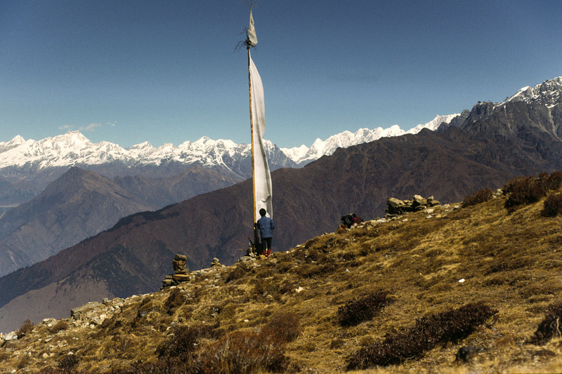 Rest at Laurebinyak, 3900 m. From here I could see Annapurna dakshin (170 km away) and Macchapuchhare to the west.