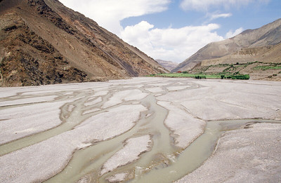Kali Gandaki gorge and river