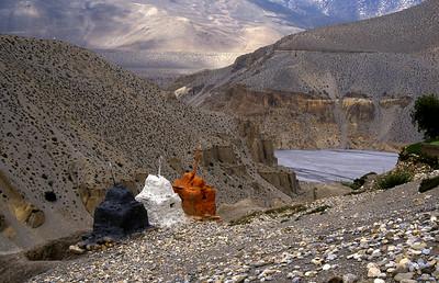 Chortens above the Kali Gandaki river valley, near Tangbe