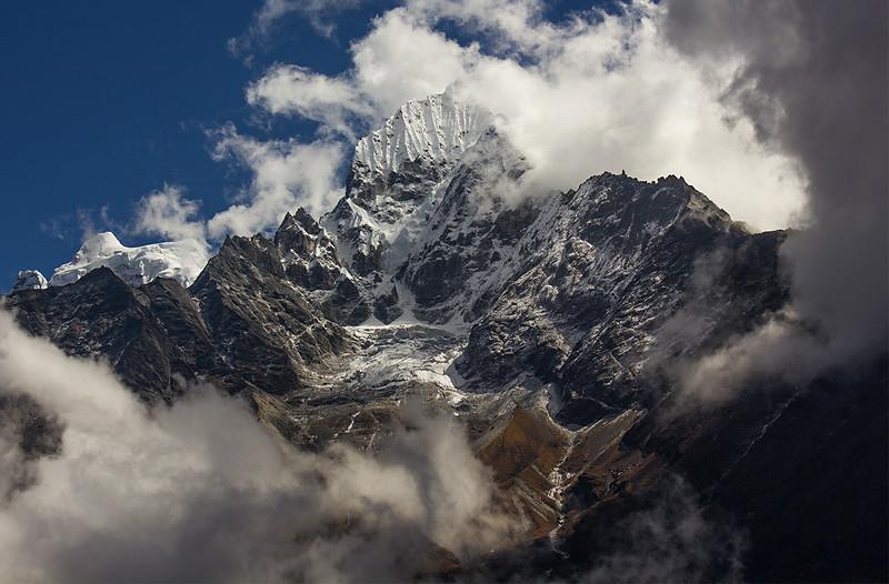 Thamserku, Himalaya, Nepal.