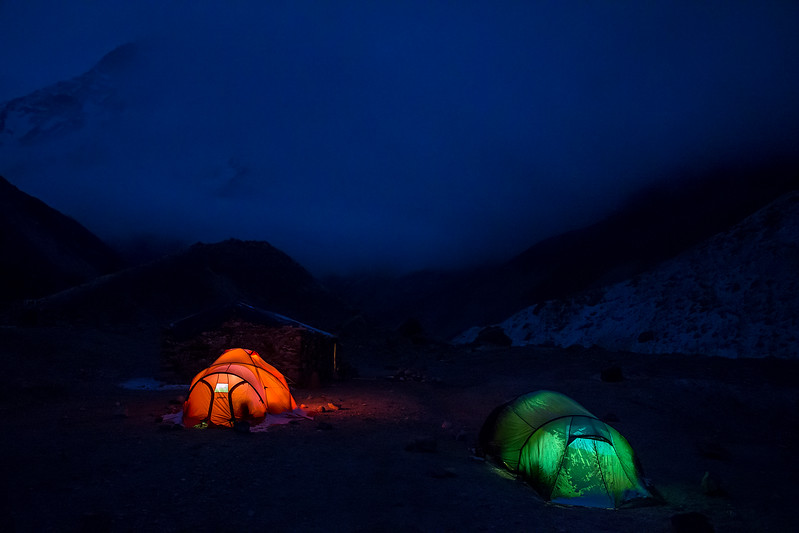 Camp at Makalu base camp (4851 m).