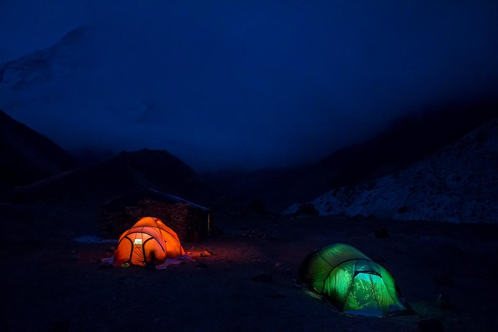 Camp at Makalu base camp (4851 m).