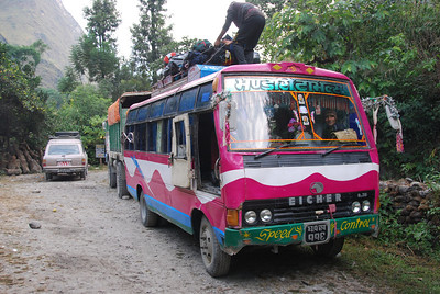 322 - Nepali bus