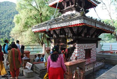 334 - In Pokhara lake