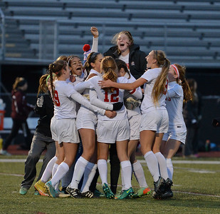 Neshaminy celebrates big win over Governor Mifflin in 2017 states.