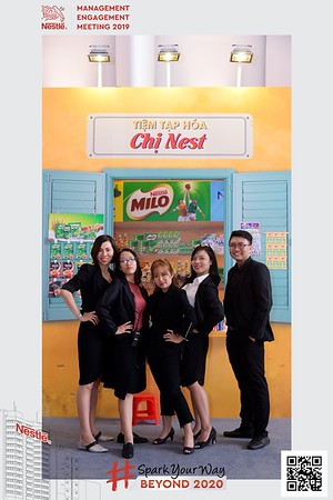 Nestle-Spark-Your-Way-instant-print-photo-booth-Chup-anh-in-hinh-lay-lien-WefieBox-Photobooth-Vietnam-Booth-02-091