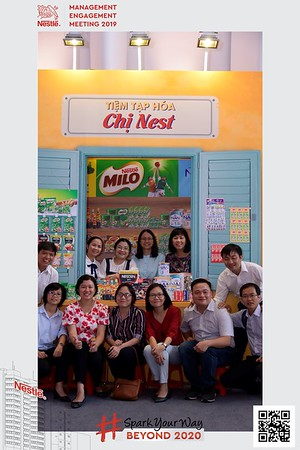 Nestle-Spark-Your-Way-instant-print-photo-booth-Chup-anh-in-hinh-lay-lien-WefieBox-Photobooth-Vietnam-Booth-02-100