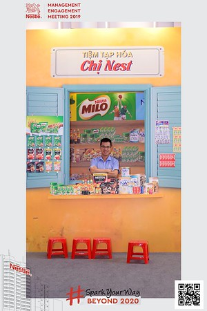 Nestle-Spark-Your-Way-instant-print-photo-booth-Chup-anh-in-hinh-lay-lien-WefieBox-Photobooth-Vietnam-Booth-02-120