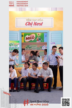 Nestle-Spark-Your-Way-instant-print-photo-booth-Chup-anh-in-hinh-lay-lien-WefieBox-Photobooth-Vietnam-Booth-02-106