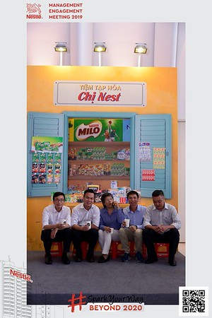 Nestle-Spark-Your-Way-instant-print-photo-booth-Chup-anh-in-hinh-lay-lien-WefieBox-Photobooth-Vietnam-Booth-02-101