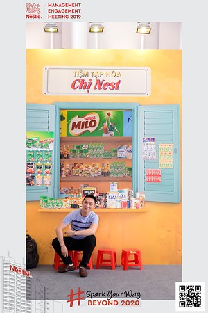 Nestle-Spark-Your-Way-instant-print-photo-booth-Chup-anh-in-hinh-lay-lien-WefieBox-Photobooth-Vietnam-Booth-02-098
