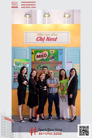Nestle-Spark-Your-Way-instant-print-photo-booth-Chup-anh-in-hinh-lay-lien-WefieBox-Photobooth-Vietnam-Booth-02-090