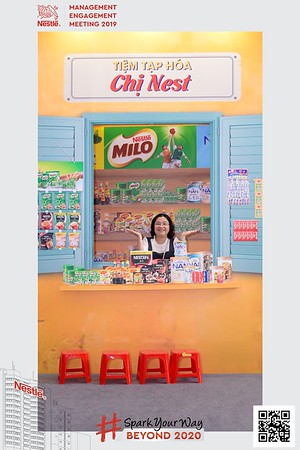 Nestle-Spark-Your-Way-instant-print-photo-booth-Chup-anh-in-hinh-lay-lien-WefieBox-Photobooth-Vietnam-Booth-02-114