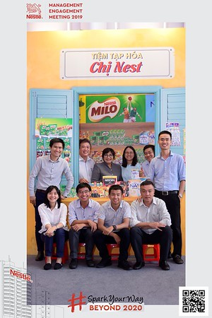 Nestle-Spark-Your-Way-instant-print-photo-booth-Chup-anh-in-hinh-lay-lien-WefieBox-Photobooth-Vietnam-Booth-02-105