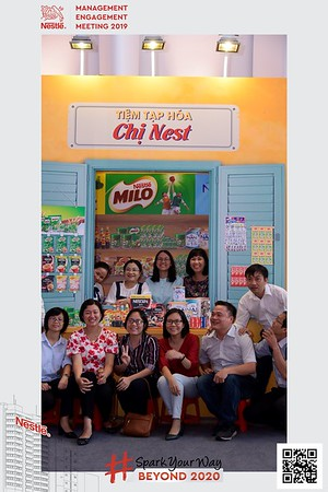 Nestle-Spark-Your-Way-instant-print-photo-booth-Chup-anh-in-hinh-lay-lien-WefieBox-Photobooth-Vietnam-Booth-02-099