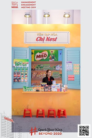 Nestle-Spark-Your-Way-instant-print-photo-booth-Chup-anh-in-hinh-lay-lien-WefieBox-Photobooth-Vietnam-Booth-02-096