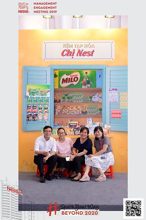 Nestle-Spark-Your-Way-instant-print-photo-booth-Chup-anh-in-hinh-lay-lien-WefieBox-Photobooth-Vietnam-Booth-02-104