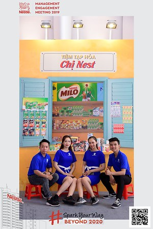 Nestle-Spark-Your-Way-instant-print-photo-booth-Chup-anh-in-hinh-lay-lien-WefieBox-Photobooth-Vietnam-Booth-02-092
