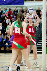 Emma Thomas goes for the shot during the Cooperative Netball Superleage match between Loughborough Lightning and Celtic Dragons played at Walsall Campus on 6th February 2010
