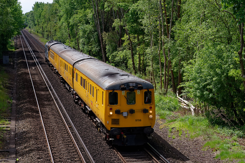 DBSO 9708 top & tailed with 37025, on 3Q17, the 09:32 Dollands Moor - Woking.<br /> 22nd May 2017.