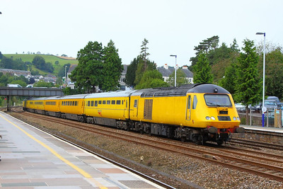 43013 heads north through Totnes on the: 1Q19 10:01 Plymouth to Paddington  21/09/12