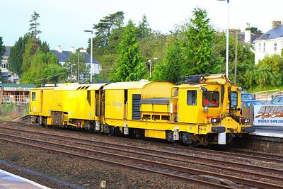 DR80206 departs Totnes on the: 6U26 09:10 Totnes to Cravern Arms  05/10/12