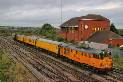31285 arrives into Westbury on the: 1Q06 15:43 Old Oak Common to Eastleigh Works  12/09/12