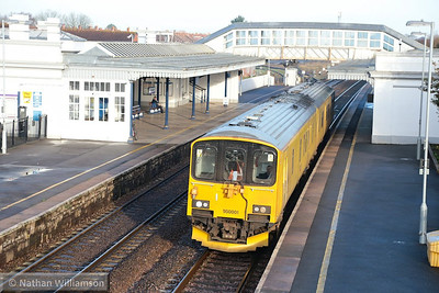 950001 heads south through Bridgwater, working the: 2Q08 05:00 Didcot Yard to Plymouth  17/12/13