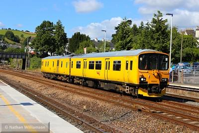 950001 head north through Totnes on: 2Q08 06:16 Penzance to Riverside  30/07/15