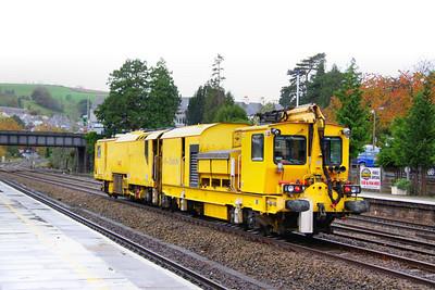 DR80206 - Network Rail Stoneblower heads west through Totnes on the: 6U26 12:13 Exeter St Davids to Tavisock Junction 04/11/11
