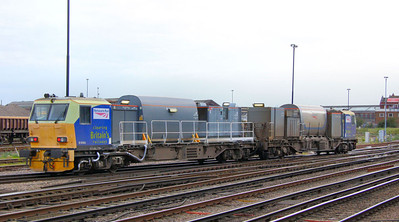 DR98964 departs Eastleigh 21/10/11