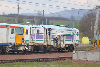 DR73932 stables in Carstairs  20/04/12