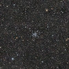 Messier M36 (Mitte) und NGC 1931 (links)