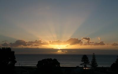 Sonnenuntergang an der Tokomaru Bay