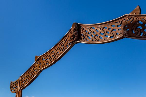Maori-Kunst und Design in Auckland: bei der «Wero Bridge» am «Viaduct Basin»