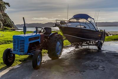 Der Traktor ist das beste Zugfahrzeug fürs Schiff