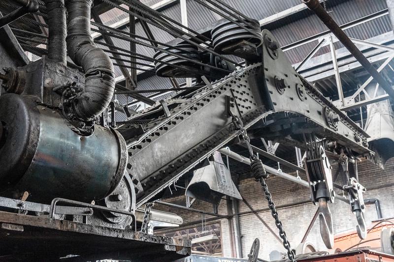 Massive Old Steam Crane