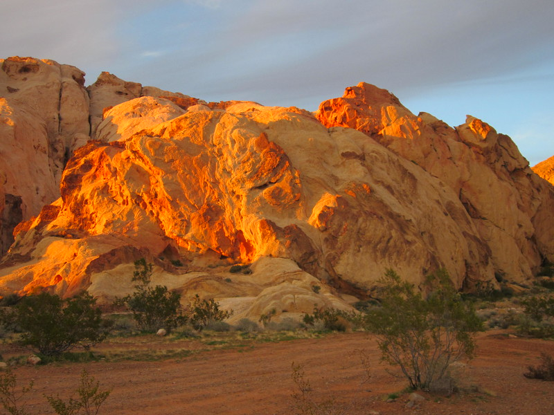 More sunset light on the red rocks