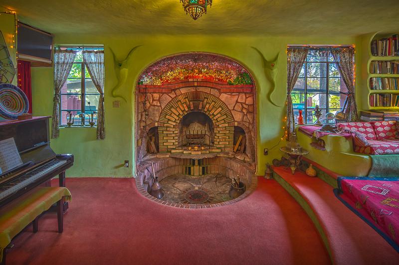 Neverlandia living room.