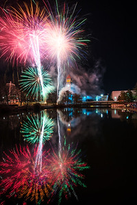 Vertical NYE Riverfront