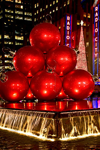 NYC-Red Holiday Balls