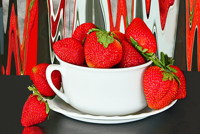 Contemporary Starwberry Still Life