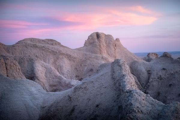 Pink Pinnacles || The Badlands National Park